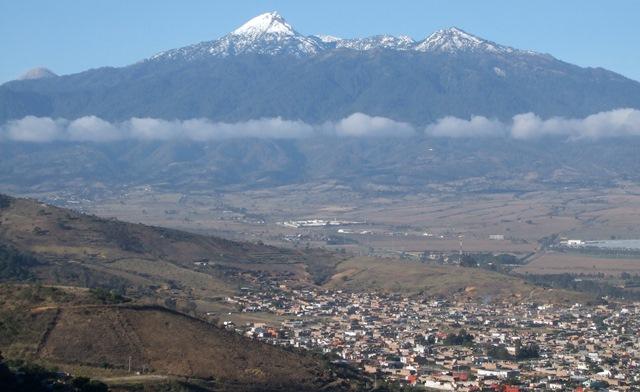 volcan-y-ciudad-guzman